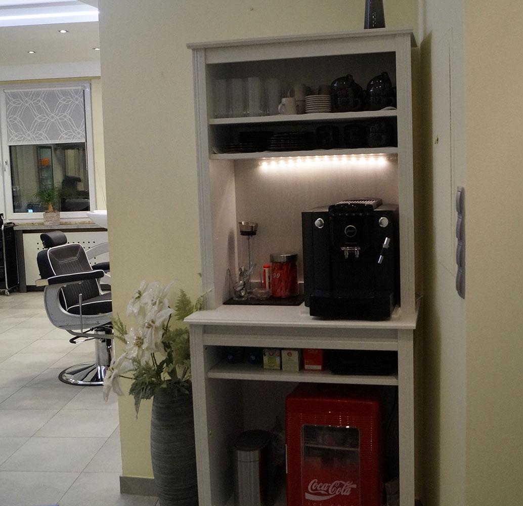salon-detail-kaffeemaschine-getraenke-wohlfuehlen-master-cut